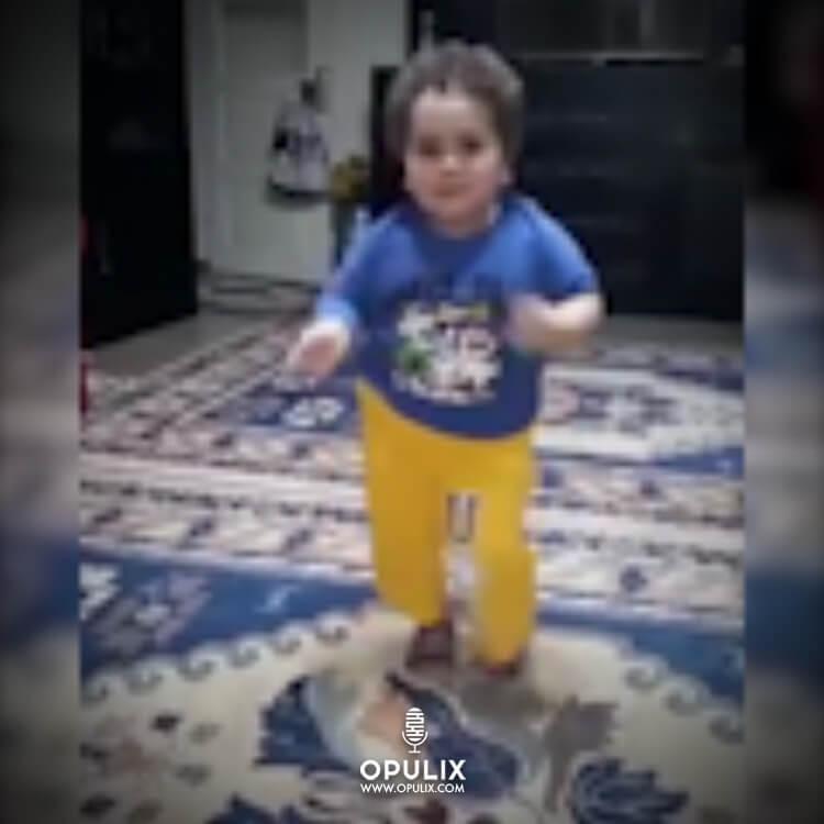 Niño bailando